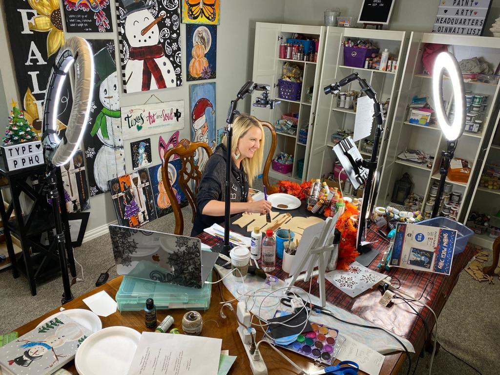 Heidi Easley In Studio Live On Facebook